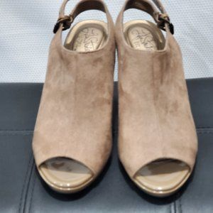 Life Stride Womens Shoes Taupe Hooded Sandal Heels